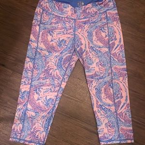 "Lilly Pulitzer ""Maybe Gator"" Crop Luxletic"